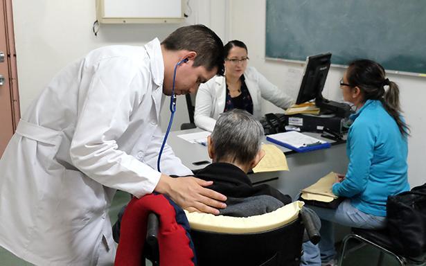 Con cuidados paliativos, mejora calidad de vida en pacientes con cáncer, enfermedades crónicas y terminales
