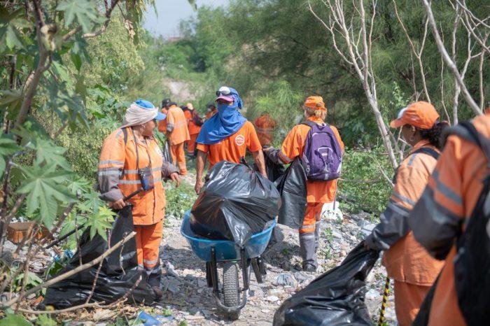 Retiran 360 toneladas de basura del Río Pesquería