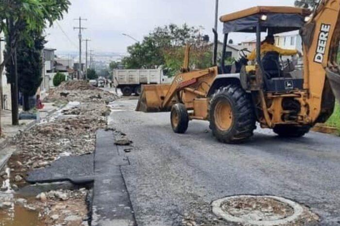 """Tras la tormenta, Escobedo inicia limpieza de calles y avenidas afectadas por """"Hanna"""""""