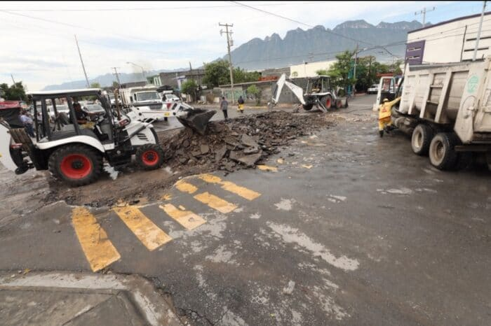 """Rehabilita Municipio Calles al Norte de Monterrey tras el paso de """"Hanna"""""""
