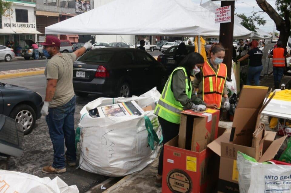 Impulsan cultura del reciclaje con Drive Thru Ecológico; recolectan en una mañana 10 toneladas de desechos