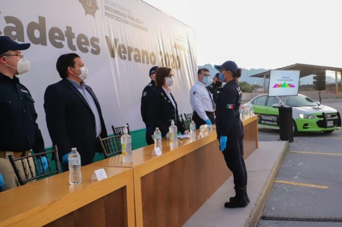Incorpora Cristina Díaz a 49 policías y tránsitos