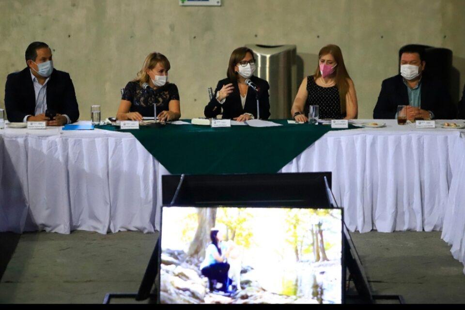 Estrecha Gobierno de Guadalupe vinculación con el sector empresarial
