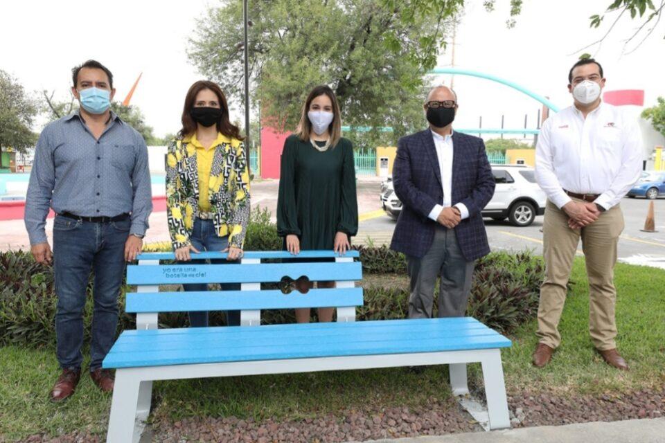Recibe Monterrey donativo de bancas fabricadas con material reciclado Arca Continental y empresa Iccon 7-Eleven realizan la donación