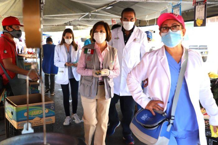Supervisan cumplimiento de medidas sanitarias en mercado rodante de Guadalupe