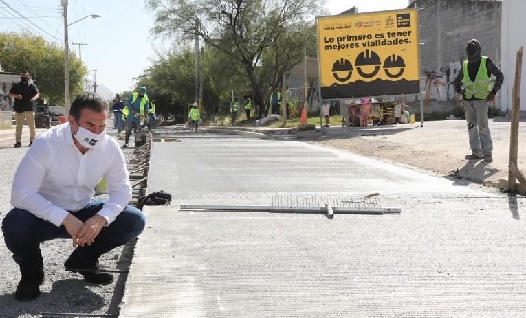 Entregan Sendero Seguro y rehabilitan calle con concreto hidráulico en La Campana