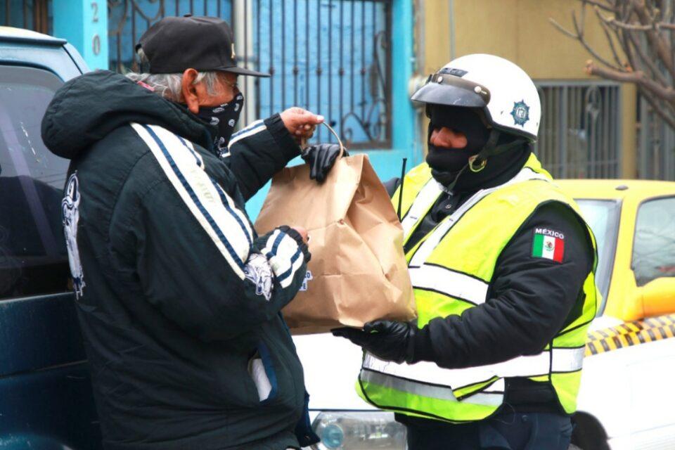 Tránsitos de Guadalupe apoyan a familias vulnerables al frío