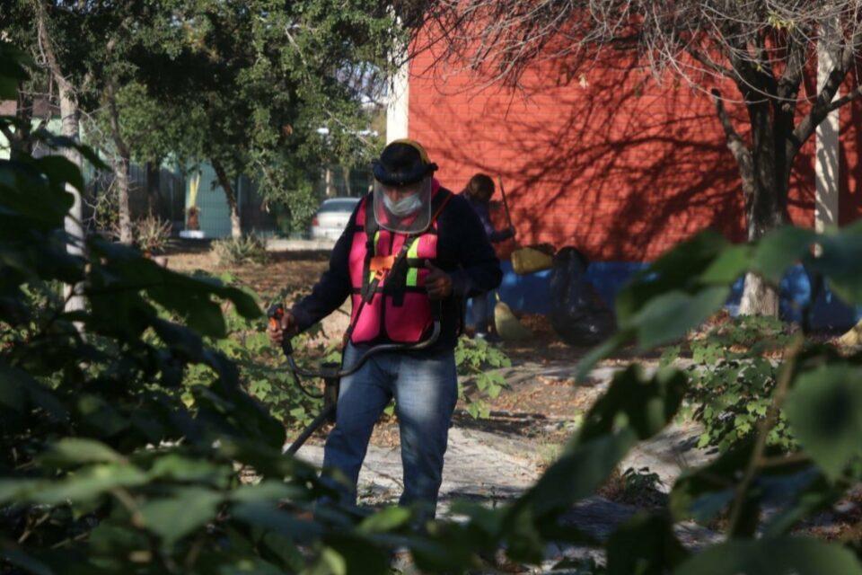 """Limpian más de 360 escuelas de Guadalupe con el programa """"Aquí estamos todos"""""""