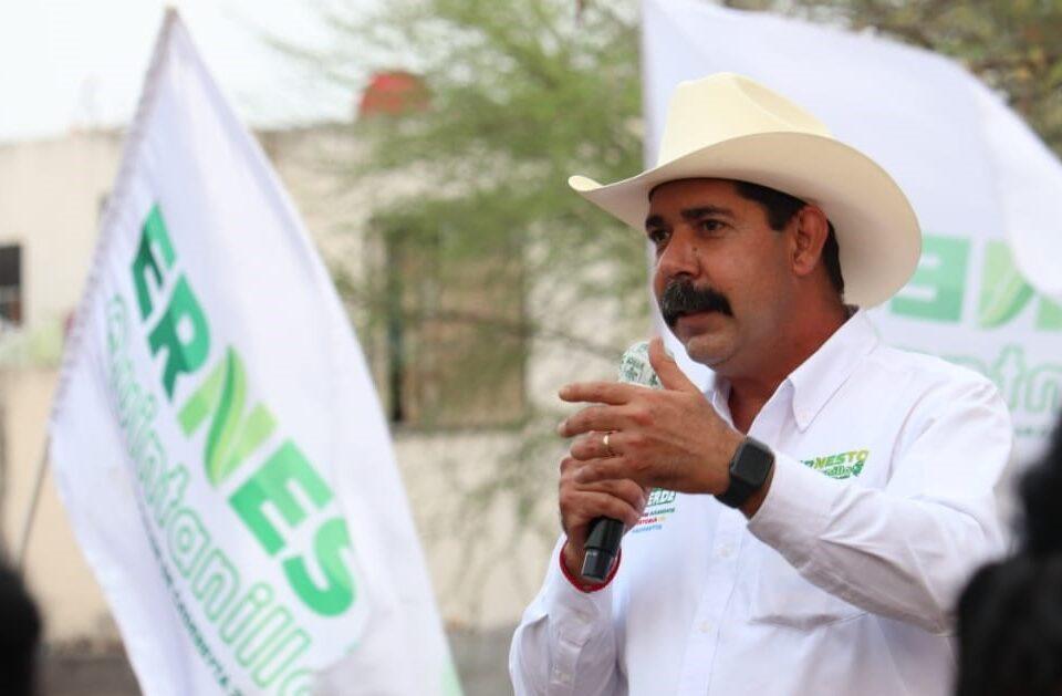 Promete Ernesto Quintanilla seguir trabajando y duplicar la seguridad en Valle del Roble y otros servicios
