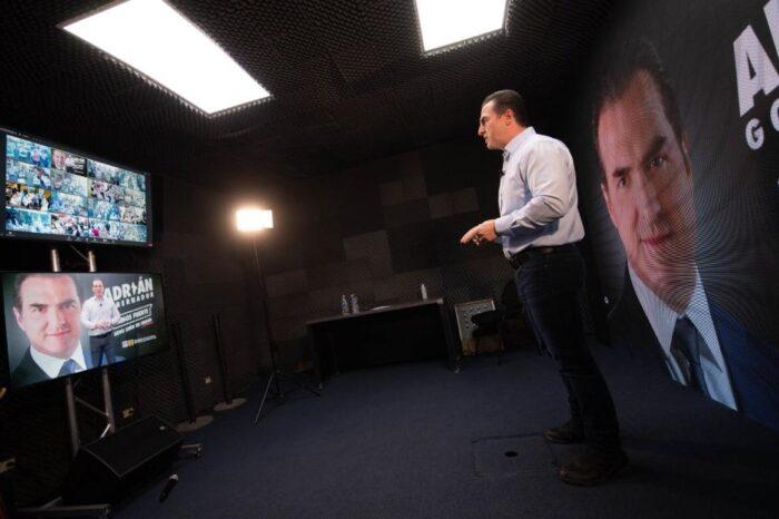 Aprovecha Adrián tecnología para llegar a toda la población de Nuevo León