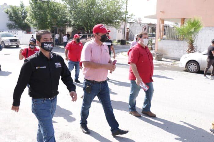 EQUIPARÁ PACO TREVIÑO ÁREAS VERDES CON APARATOS PARA EJERCITARSE AL AIRE LIBRE