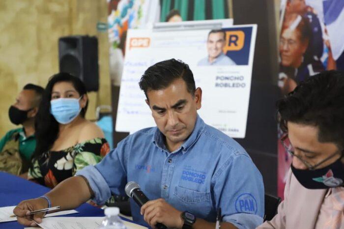 Ofrece Alfonso Robledo dignificación a policías de Guadalupe