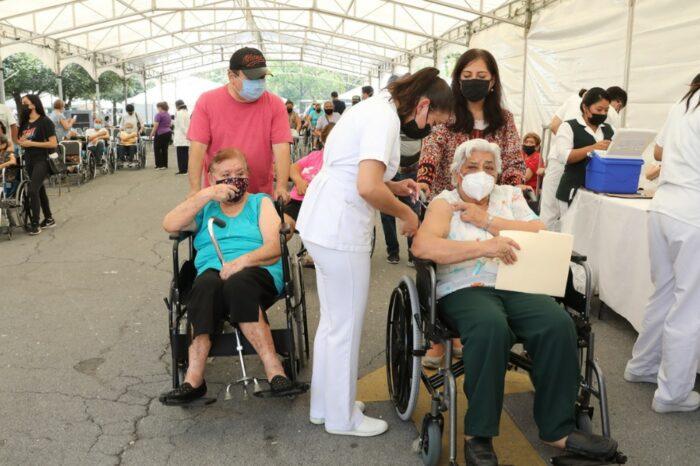 Avanza vacunación anti COVID en Monterrey con más de 95 mil personas atendid