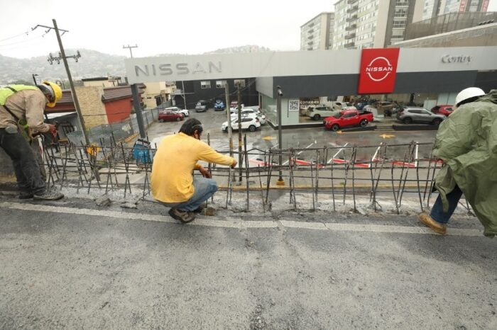Arranca reparación del puente vehicular en Garza Sada y Alfonso Reyes