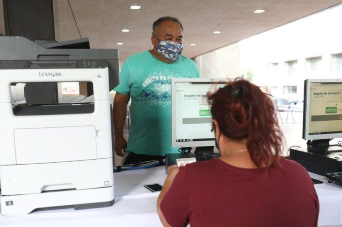 Otorga Monterrey cita para segunda dosis de vacuna antiCOVID al 50% de adultos mayores