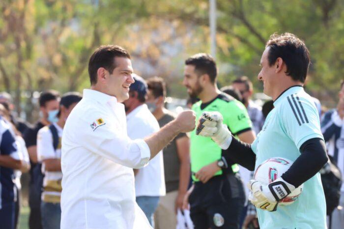 Se unen ex jugadores de Tigres y Rayados a Paco Cienfuegos por la reactivación de niños y jóvenes