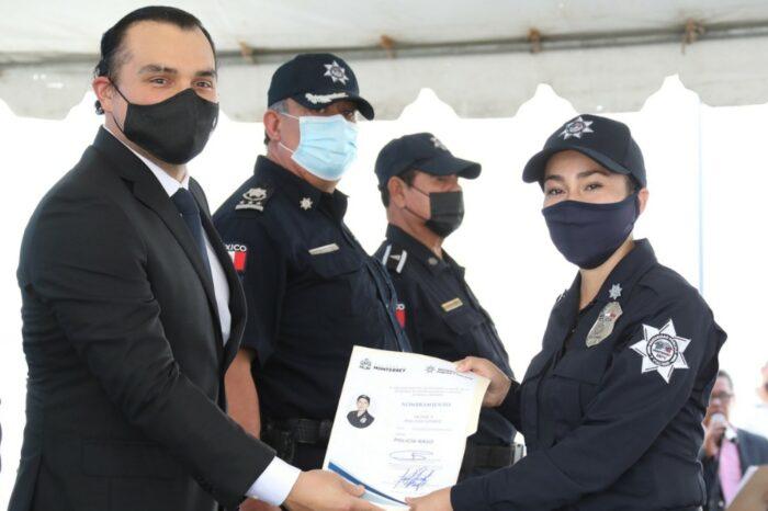 Se gradúan cinco generaciones de policías, tránsitos y Guardias auxiliares en Monterre