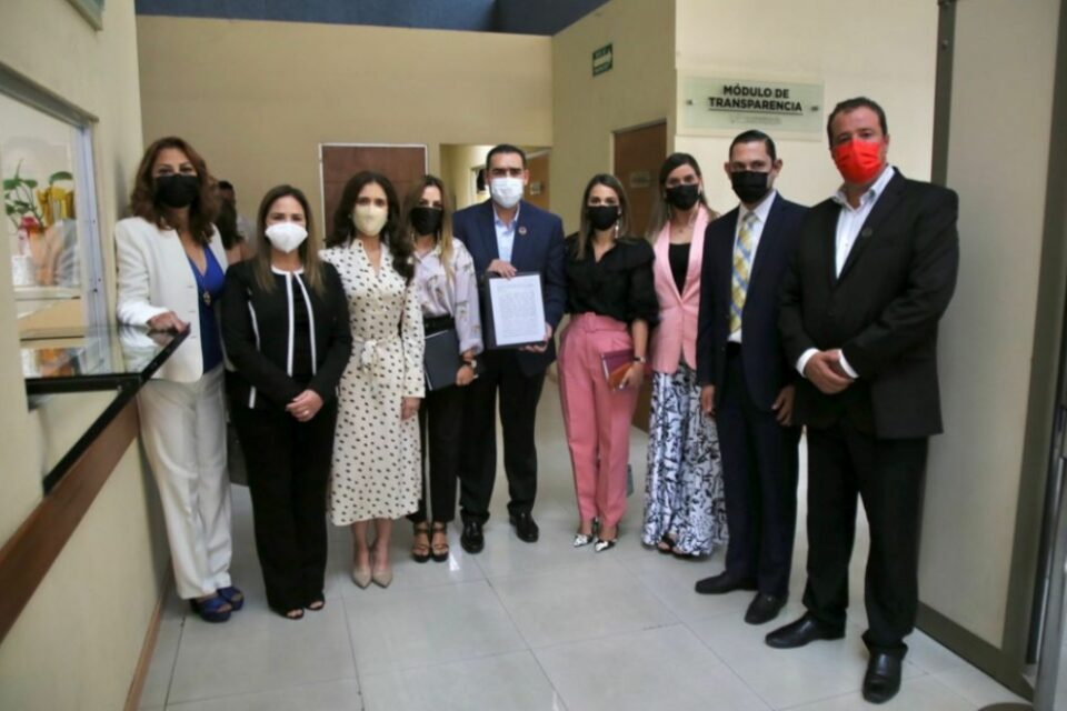 PROPONE HERIBERTO TREVIÑO QUE DEUDORES ALIMENTARIOS  NO PUEDAN SALIR DEL PAÍS