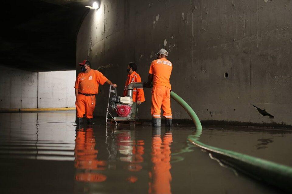 Reportan saldo blanco por lluvias en Monterrey